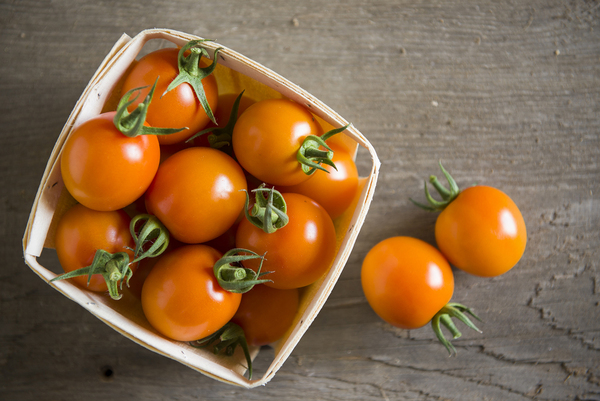Clementine cocktail tomatoes.